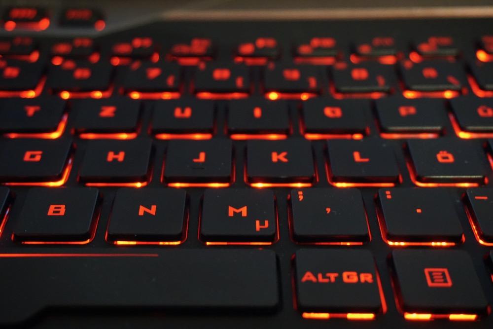 Rot beleuchtete Tastatur